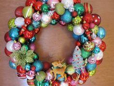 Christmas ornament wreath by MimisVintageGoodies on Etsy
