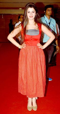Kainaat Arora at the Annual Caring with Style Fashion Show. Young Actresses, Female Actresses, Hot Actresses, Indian Actresses, Bollywood Photos, Bollywood Celebrities, Bollywood Fashion, Beautiful Bollywood Actress, Beautiful Indian Actress