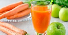 People often try to cough up phlegm when they feel it in their throat. But this slimy substance can actually be good for you. Healthy Juices, Healthy Nutrition, Homemade V8 Juice, Juicing Benefits, Juicing For Health, Juice Diet, Perfect Breakfast, Fresh Ginger, Smoothie Recipes