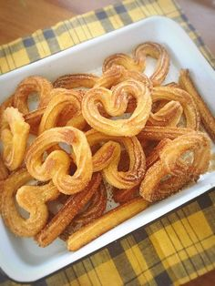Bake your favorite treats with our many sweet recipes and baking ideas for desserts, cupcakes, breakfast and more at Cooking Channel. Churros, Cheap Sweets, Sweets Recipes, Cooking Recipes, Homemade Sweets, Cafe Food, Bakery, Food And Drink, Yummy Food