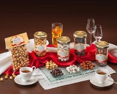 L'Alveare Del Caffè...Il Gusto Del Piacere, propone le qualità della nocciola del piemonte I.G.P. Apicoltura Brezzo idee alimentari di qualità.