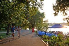 Locuri în Bucureşti pentru şedinţă foto. Parcul Herăstrău, în topul celor mai frumoase locuri pentru poze