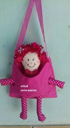 bolsinha com boneca