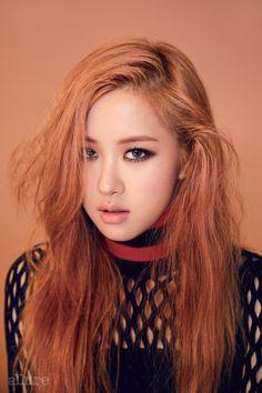 Net Top Fashion of Blackpink Rose Kim Jennie, Kpop Girl Groups, Kpop Girls, K Pop, Grunge Style, Blackpink Jisoo, Color Rosa, Yg Entertainment, New Girl