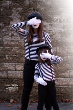 Partners In Mime Costume {homemade halloween costumes} Looking for a last minute costume idea? This mime costume is super simple and can be recreated using…