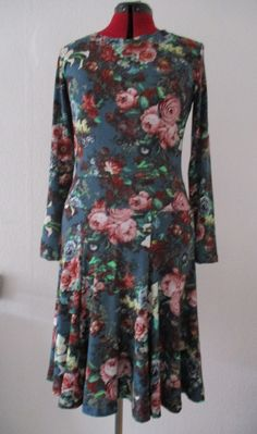 Jerseykleid ,,La vie en Rose'' von Stoffwerkdesign auf Etsy