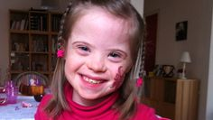 Le portrait de Clémence, trisomie 21 Découvrez le portrait de Clémence, porteuse de la trisomie 21, âgée de 8 ans. Jolie, coquine, malicieuse et têtue, elle en fait craquer plus d'un avec sa petite bouille d'ange ! Nous avons interrogé Agnès, sa maman, pour en savoir plus. http://www.bloghoptoys.fr/le-portrait-de-clemence-trisomie-21