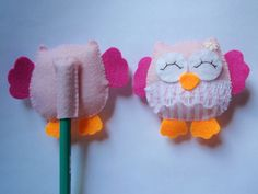 como fazer ponteira de lapis de feltro - Pesquisa Google Diy Crafts Hacks, Foam Crafts, Cute Crafts, Diy And Crafts, Crafts For Kids, Arts And Crafts, Pencil Topper Crafts, Pencil Toppers, Sewing Crafts