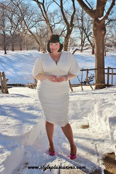 Even in a foot of snow, this dress is hot!!! @kiyonnaplussize knows #plussize curves. Pick a #LWD like this one for #ValentinesDay.