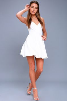 Trendy White Dresses for Women in the Latest Styles  9881b279e
