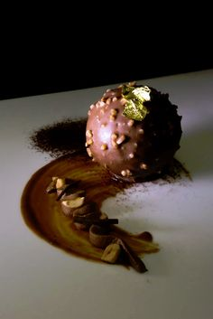 Uno dei dessert che è possibile assaggiare durante l'Eurochocolate, il Festival Internazionale del Cioccolato. www.eurochocolate.net