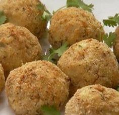 Brazilian Codfish Balls recipe from Ingrid Hoffmann via Food Network Shellfish Recipes, Seafood Recipes, Cuban Recipes, Dinner Recipes, Crepes, Food Network Recipes, Cooking Recipes, Dry Bread, Cod Fish