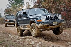 Jeep Commander with a SuperLift suspension on the trail