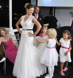 3 questions to ask before picking wedding dress
