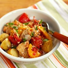 Slow cooker Basque tuna with potatoes and peppers, easy in the CrockPot.