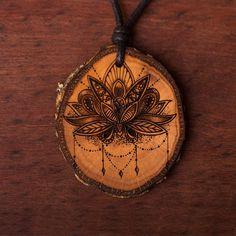 Lotus Flower - Ketten Holzschmuck aus Naturholz / Anhänger Laser, Lotus Flower, Pocket Watch, Abs, Vegan, Earrings, Accessories, Jewelry, Ideas