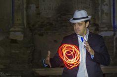 Mago Tony Frackson en Badajoz. Magia para eventos: Bodas, comuniones, cumpleaños, magia infantil, magia para empresas. Tlf.: 609 46 82 84.