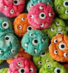 Gooey Monster Eye Cookies, via Lil' Luna