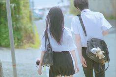 Aesthetic Japan, Aesthetic People, Couple Aesthetic, Japanese School Bag, Japanese School Uniform, Japanese Couple, Korean Couple, Ulzzang Couple, Ulzzang Girl