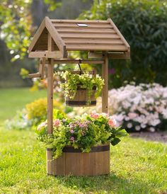 DIY pallet planter project - When picking the right plant, the result may look just perfect for your yard. You can also finish your planter with nice colors Front Walkway Landscaping, Outdoor Landscaping, Landscaping Ideas, Wishing Well Garden, Small Solar Panels, Wooden Planters, Garden Care, Cardiff, Landscape Design