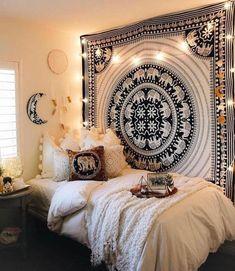 Dorm Room Walls, Cute Dorm Rooms, Room Decor Bedroom, Bedroom Ideas, Comfy Bedroom, Ikea Interior, Bohemian Style Bedrooms, Boho Room, Bohemian Dorm