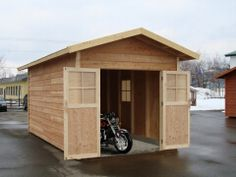 バイクガレージや木製物置小屋として。キットハウス2745
