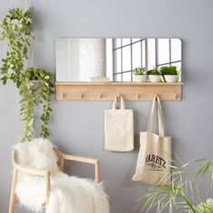 Furniture 212513676153953235 - Oak Mirror with Shelf and 7 Pegs 100 x 50 cm on Maisons du Monde. Take your pick from our furniture and accessories and be inspired! Source by ManyfoldDesign Entryway Decor, Diy Bedroom Decor, Living Room Decor, Diy Home Decor, Entryway Wall Organizer, Entryway Hooks, Entryway Organization, Diy Casa, Mirror With Shelf