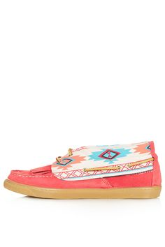 Aztec mocs. Would be perfect with rolled up holy jeans & a slouchy shirt