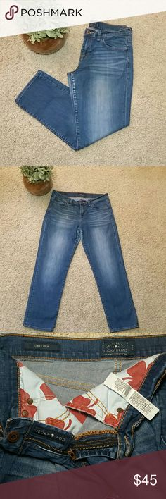 """Lucky Brand 8 Sweet Crop Capri Jeans Pants 29 This is for a great pair of crop, Capri jeans by Lucky Brand. Sweet Crop in size 8/29 made of 99% cotton, 1% spandex so there is a little stretch to them. Manufacturers fading and distress. Great pre owned condition with no stains, holes, or odors. Smoke free home. Measures across waist: 15.75"""", rise: 9"""", inseam: 26.5"""" Lucky Brand Pants Capris"""
