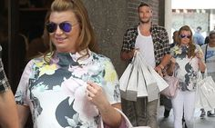 Pregnant Billi Mucklow shops for baby supplies with Andy Carroll