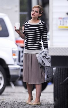 This is obviously a stalker-shot of Emma Watson, but it captures her modest and cute outfit very well :)