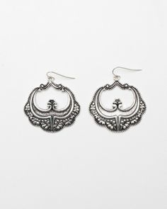Victorian Design Earring. $16