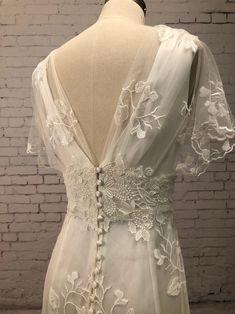 Simple Wedding Gowns, Vintage Style Wedding Dresses, Gown Wedding, Tulle Wedding, Moms Wedding Dresses, Boho Lace Wedding Dress, Wedding Dress Sheath, Wedding Ideas, Wedding Dress Backs