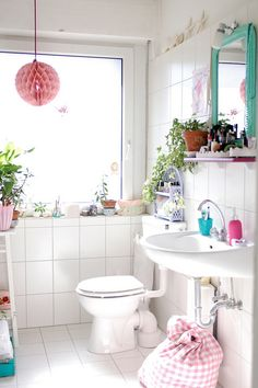 My sunny little bathroom by jasna.janekovic, via Flickr