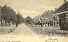 Ulvenhout - Dorpstraat  - De Dorpstraat in Ulvenhout. De huizen zijn nog nieuw en de tramlijn is nog niet aangelegd. De foto moet dus gemaakt zijn vóór 1903. Foto: A. van Erp.