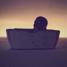 #skull #concrete Skull Candle, White Concrete, Shots, Candles, Interior Design, Diy, Furniture, Nest Design, Home Interior Design