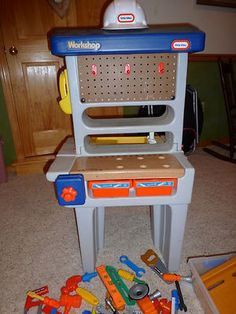 Little Tikes Workshop & Tools | eBay  I want this sooooo bad for Jacob. The new one ain't got nothing on the classic