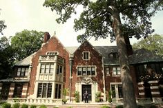 Charles T. Fisher Mansion, an English Tudor style home built in 1922 in the Boston-Edison neighborhood of Detroit, MI Detroit Ruins, Detroit History, Detroit Michigan, Metro Detroit, Tudor Style Homes, English Tudor, Detroit Vs Everybody, Tudor House, Best Cities