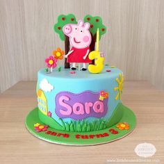"12 Cute Peppa Pig Birthday Cake Designs Does your child speak in a posh English accent? Does she say ""dine-saw""? Does she like jumping in muddy puddles? Then you need a Peppa Pig cake. Tortas Peppa Pig, Bolo Da Peppa Pig, Peppa Pig Birthday Cake, Cumple Peppa Pig, Cute Birthday Cakes, Homemade Birthday Cakes, Peppa Pig Cakes, 2nd Birthday, Peppa Pig Pinata"