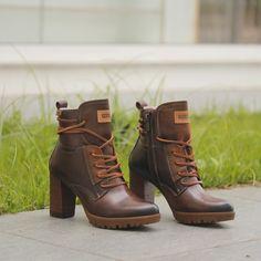 Dream Shoes, Crazy Shoes, Me Too Shoes, Sneaker Boots, Bootie Boots, Shoe Boots, Combat Boot Outfits, Estilo Country, Tola