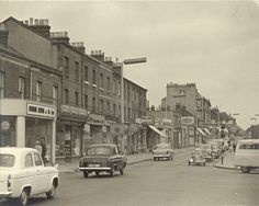 St Albans Road, North Watford (Love the little 'Bubble Car'! When there were less cars and less rush on the roads) St Albans, Watford, Cool Photos, Interesting Photos, Old Houses, Cemetery, Childhood Memories, 1960s, Nostalgia
