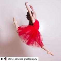 "Love this shot from @steve_sanchez_photography  Chloe tells Life as a Dancer ""It takes time to learn ballet"" #lifeasadancer #nycdancer #dancergirl #dancerlife #dancersofig #tweenballet #balletshoes #balletbeautiful #ballet_instagram #balletlove #balletpost #ballerinasofig #balletdancer #balletlife #pointeshoes #pointe #balletskirt #worldwideballet #storyofmylife #storyteller #ballet #ballerina #onpointe #balletphoto #balletlife"