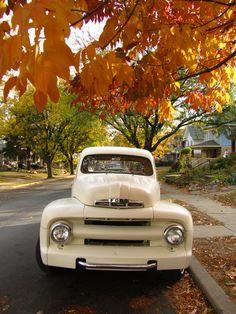 VINTAGE TRUCK. I've always loved old trucks runs in the family!!