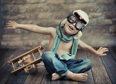 Fantasie is een vorm van verbeeldingskracht. Als kind spraken we die van nature aan. Volwassenen lijken deze kracht (uit het oog) te verliezen naarmate ze ouder worden. Toch kan het geen kwaad om er zo nu en dan eens flink op los te fantaseren. Als je verbeeldingskracht groot genoeg is, is het voor je het weet jouw realiteit... ;-)  Pin it ✔ Deel ✔ Reageer ✔