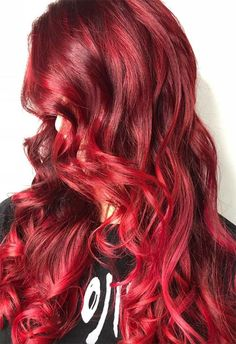 63 Hot Red Hair Color Shades to Dye for: Red Hair Dye Tips & Ideas – Hair Makeup Red Ombre Hair, Dyed Red Hair, Dye My Hair, Red Hair Color, Hair Colors, Dyed Tips, Hair Dye Tips, Medium Shag Haircuts, Layered Haircuts