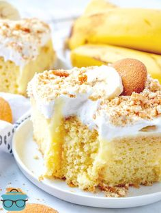 Best Banana Pudding Poke Cake is an easy original recipe made with cake mix poked with banana pudding, topped with Cool Whip and crushed Nilla Wafers! Pudding Cake Mix, Banana Pudding Poke Cake, Pudding Flavors, Best Banana Pudding, Banana Pudding Recipes, Poke Cake Recipes, Poke Cakes, Cake Flavors, Dessert Recipes
