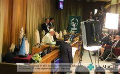 Papa Francisco Hangouts con escuelas de los cinco continentes por la presentación de Scholas.Social en el III Congreso Mundial de Educación de Scholas