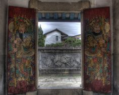 Guardians of an Ancestral Hall