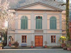 Teatro Accademico   Bagni di Lucca   Via Umberto I   Anno 1790   Capienza 304 posti   Web: http://www.toscanaspettacolo.it/teatro/teatro-comunale-accademico/