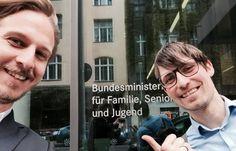 Als wir im August 2012 AGENTUR GERHARD gründeten, hofften wir die ersten Monaten gut zu überstehen. Heute lädt man unsere Mitarbeiter als Berater ins Familienministerium ein. Just wow!!!
